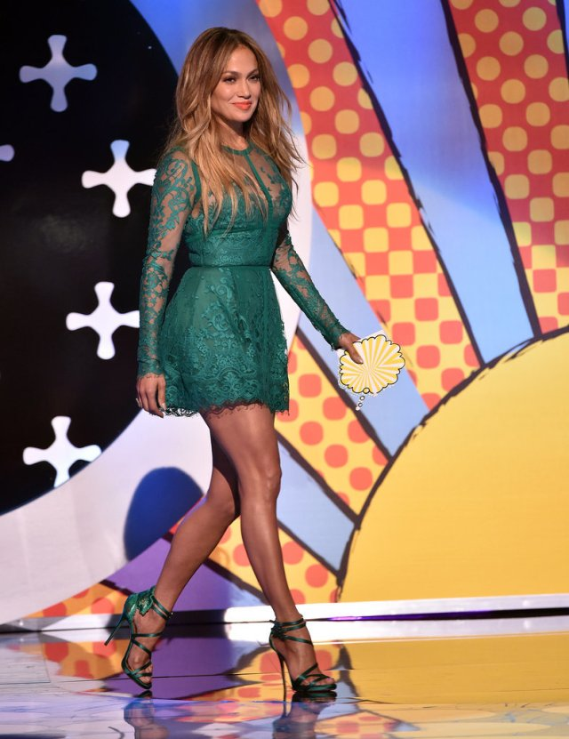 Jennifer Lopez - Check out those shoes!!!