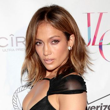 jennifer-lopez-birthday-party-beauty-look-square-w352